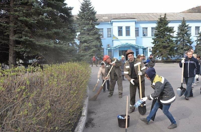 """В Доброполье прошла масштабная акция """"Чистый город"""", фото-3"""