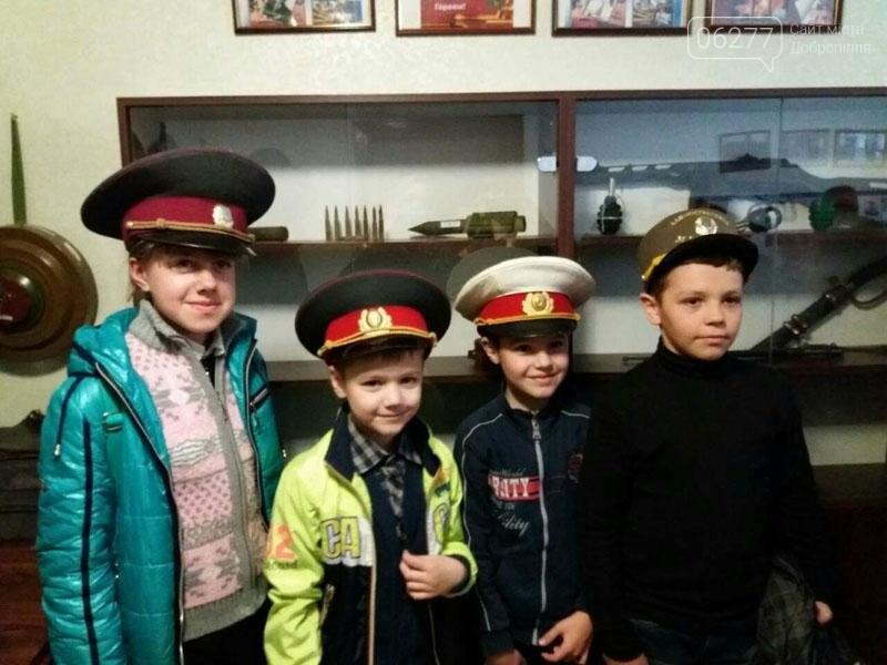 Учащиеся добропольских школ побывали в гостях у полиции, фото-5