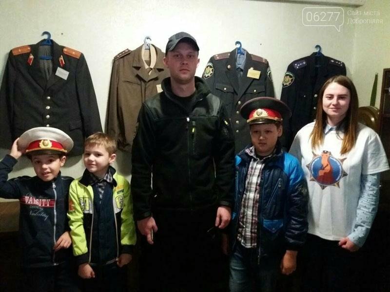 Учащиеся добропольских школ побывали в гостях у полиции, фото-4