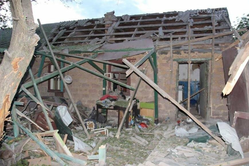 В Авдеевке под обстрелом погибли четверо мирных жителей, один тяжело ранен, фото-1