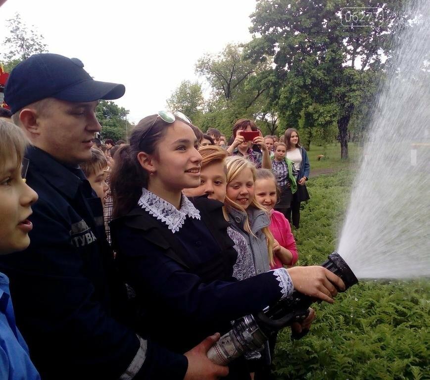 Добропольские спасатели рассказали школьникам о правилах безопасности, фото-5