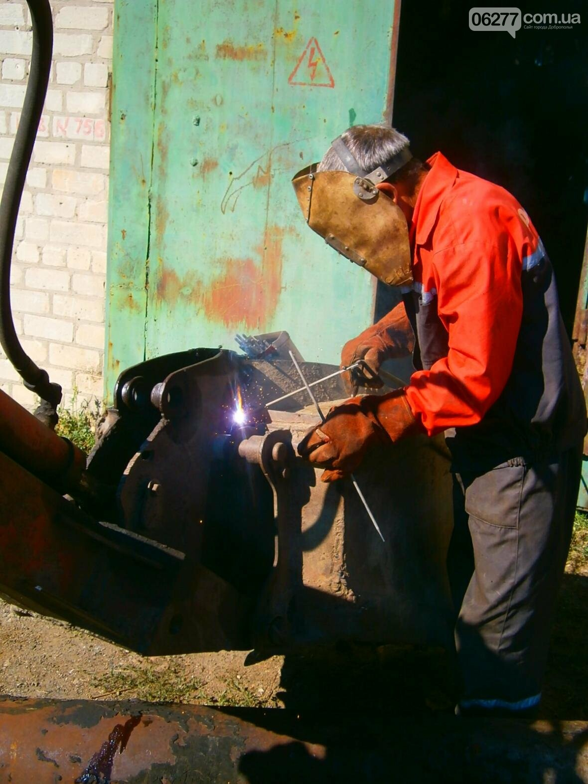 Добропольские слесари на  неделе устранили 29 порывов и ликвидировали 119 заторов, фото-2