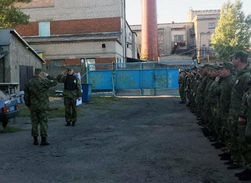 Сегодня руководитель добропольской полиции проверил боеготовность подчиненных, фото-2