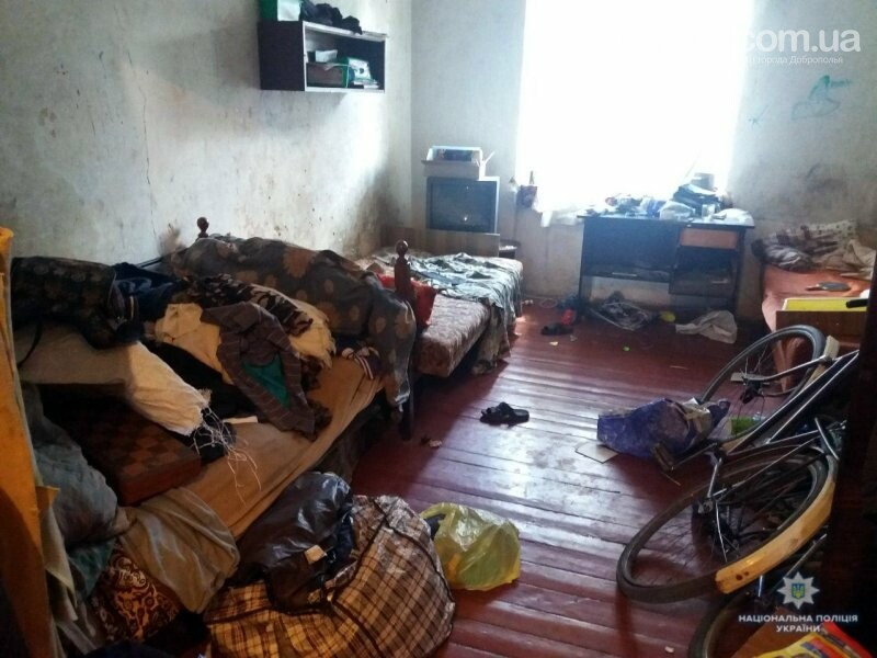 В Білозерському правоохоронці виявили багатодітну матір, яка не створила належних умов проживання для своїх трьох неповнолітніх дітей, фото-3