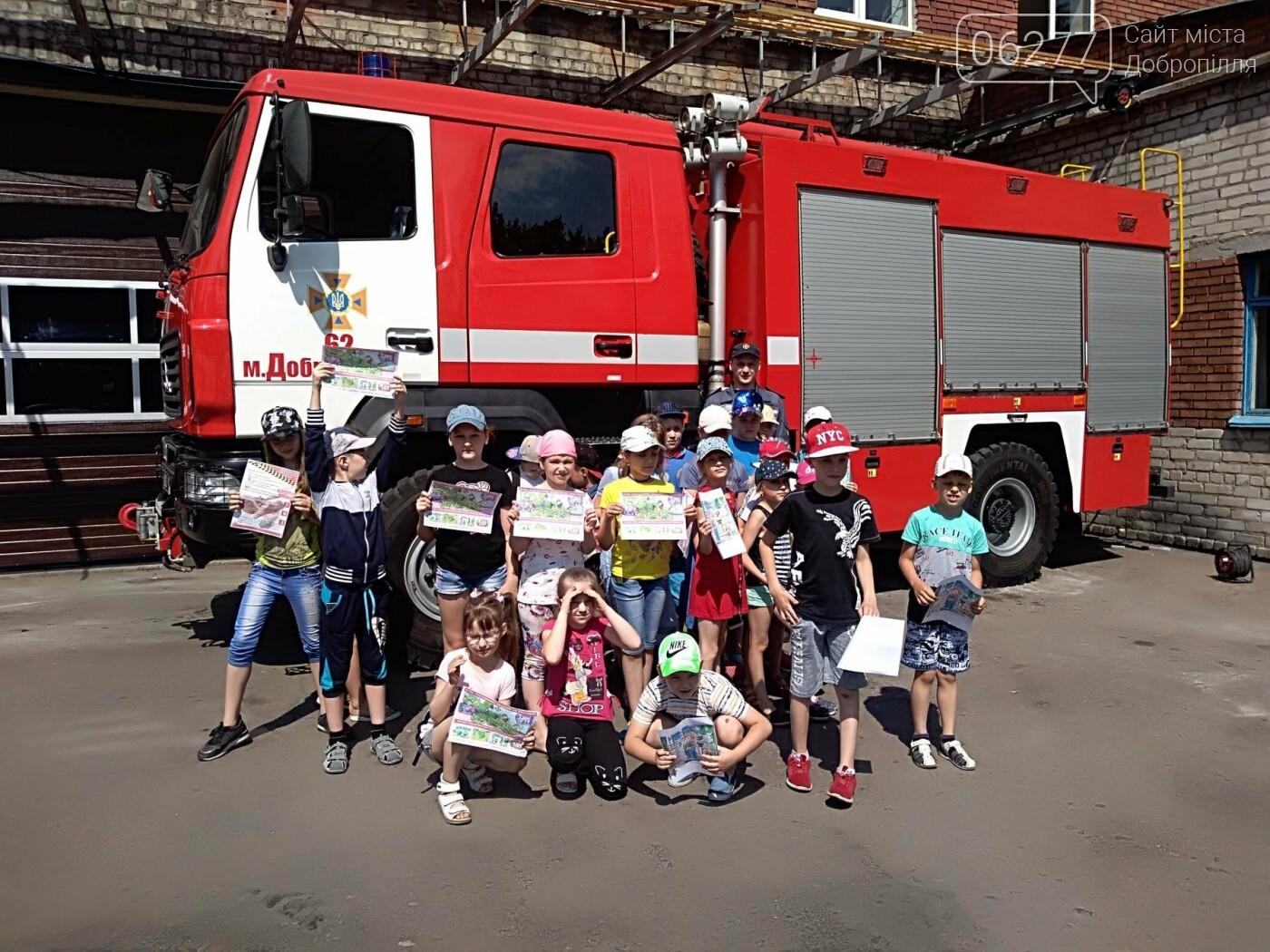 У Добропіллі відбулися пізнавальні екскурсії дітей до пожежно-рятувальної частини, фото-4