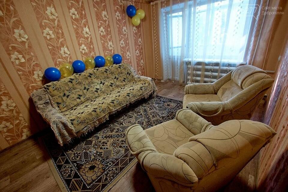 У селищі Білозерське вручили ключі від однокімнатної квартири 18-річному Олександру Андрощенку, фото-4