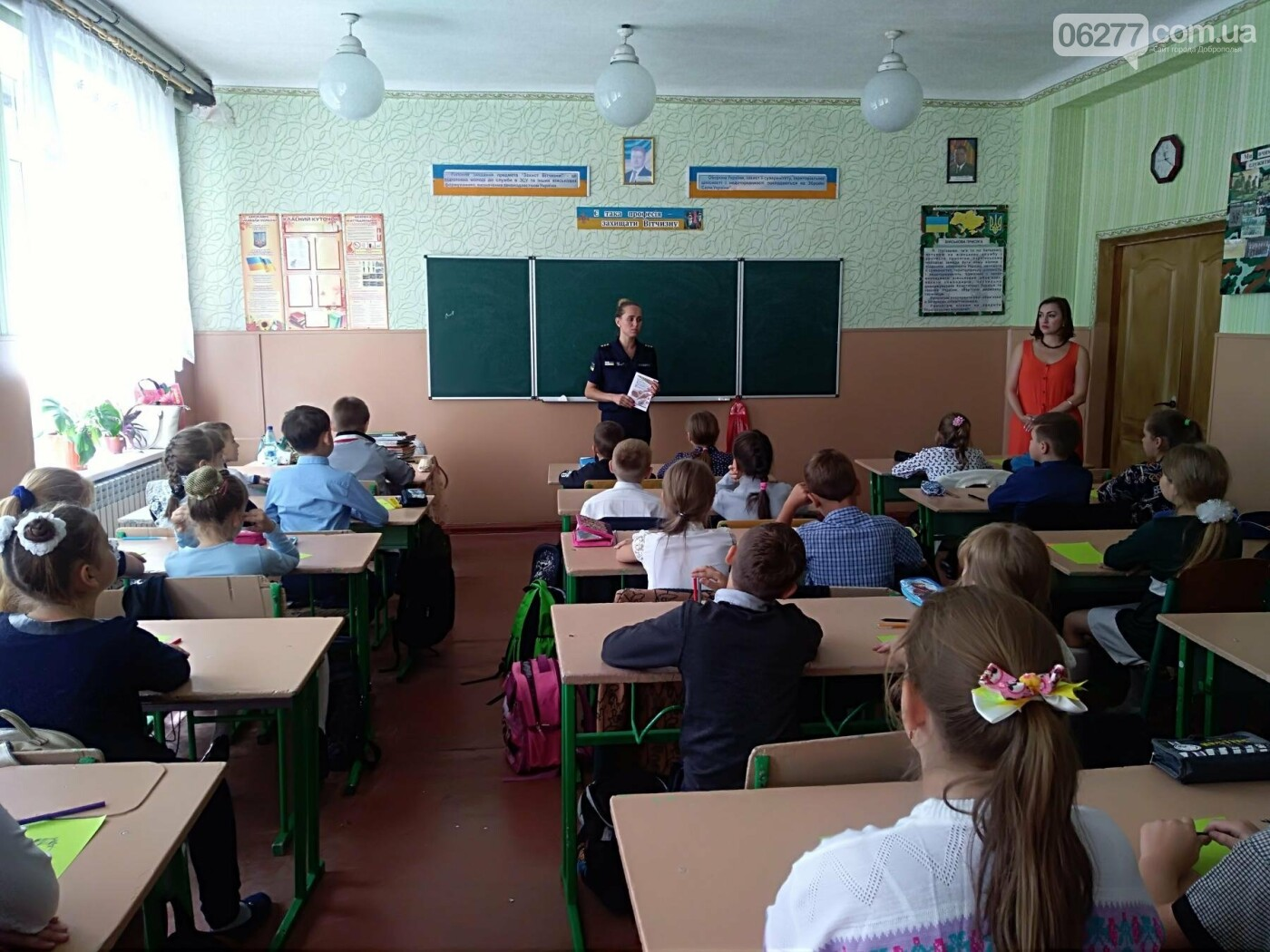 Рятувальники Добропільщини продовжують  проводити зі школярами заняття з мінної безпеки, фото-2