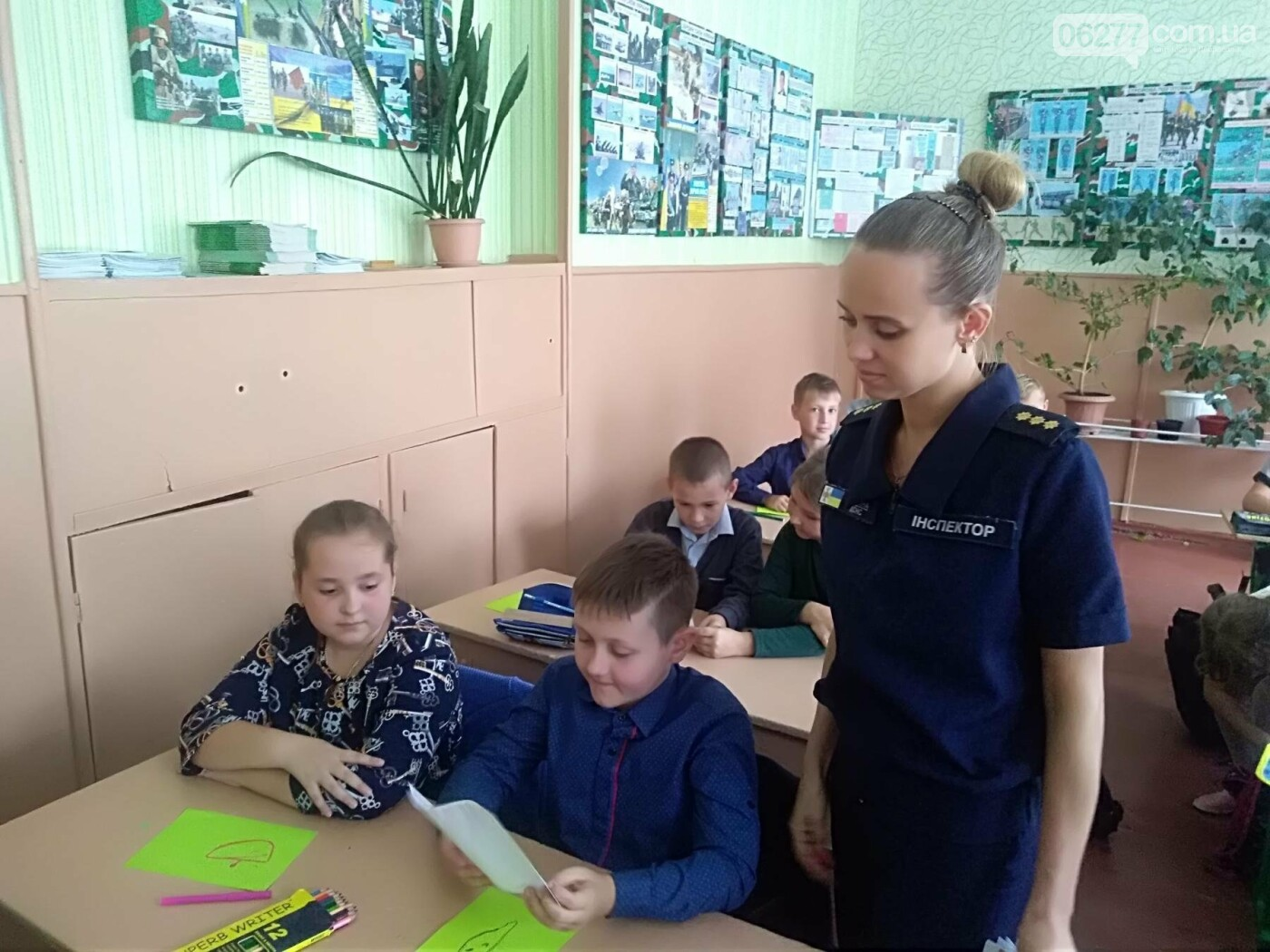 Рятувальники Добропільщини продовжують  проводити зі школярами заняття з мінної безпеки, фото-1