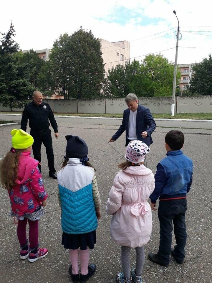 Начальник поліції Добропілля провів «факультатив з поліцейським» для старшокласників ЗОШ №10, фото-6