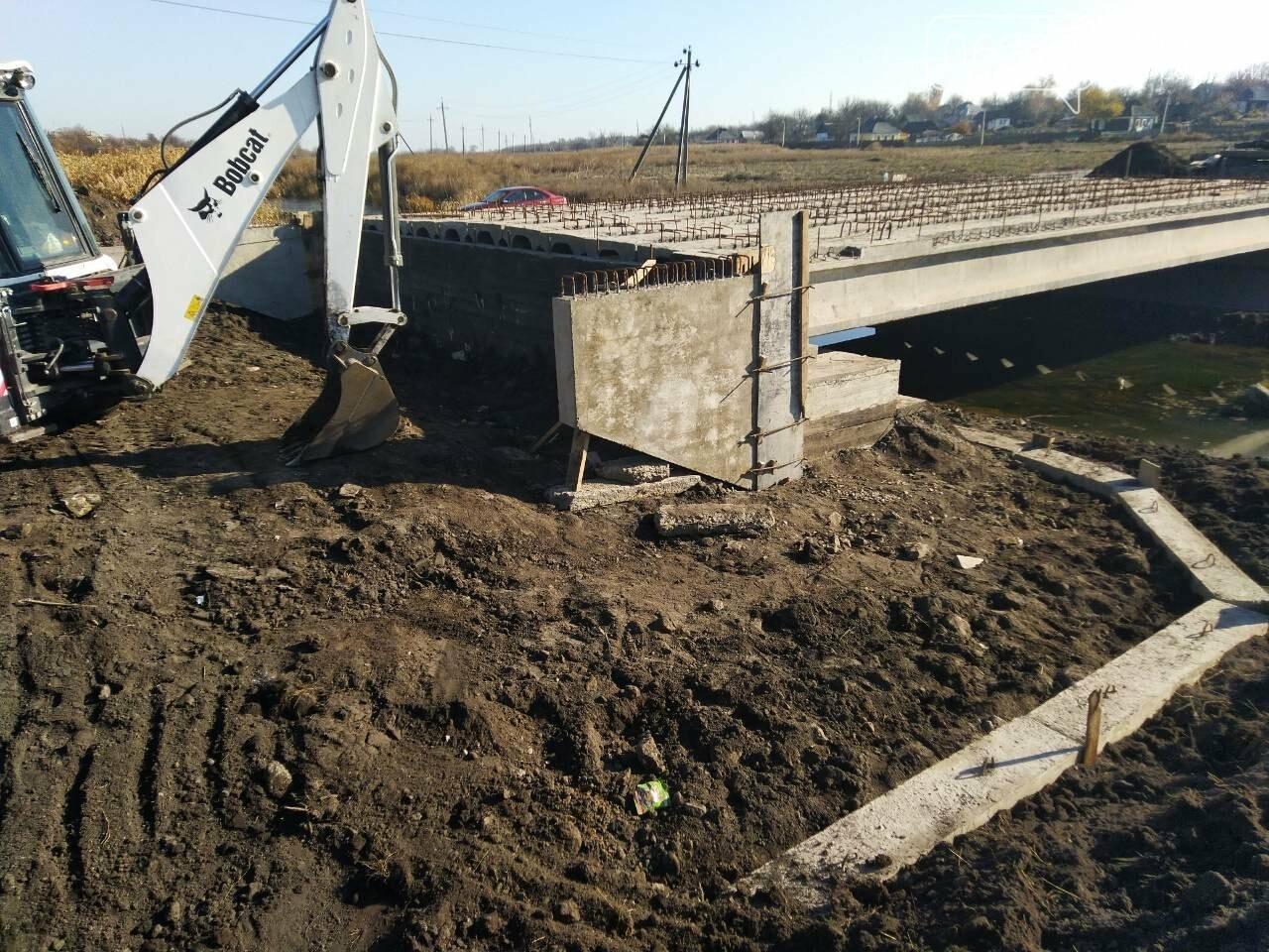 Добропільський район: завершено роботи з улаштування балок прогонової будови моста у с. Ганнівка, фото-3