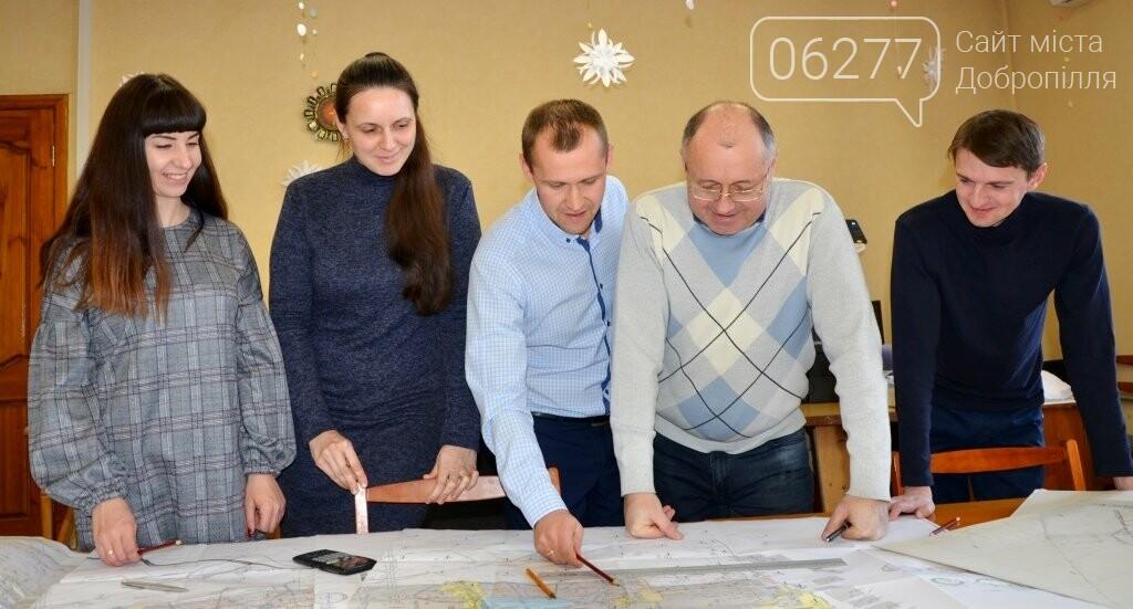 Движение на встречу: проходчики шахты Добропольская провели успешную сбойку, фото-1