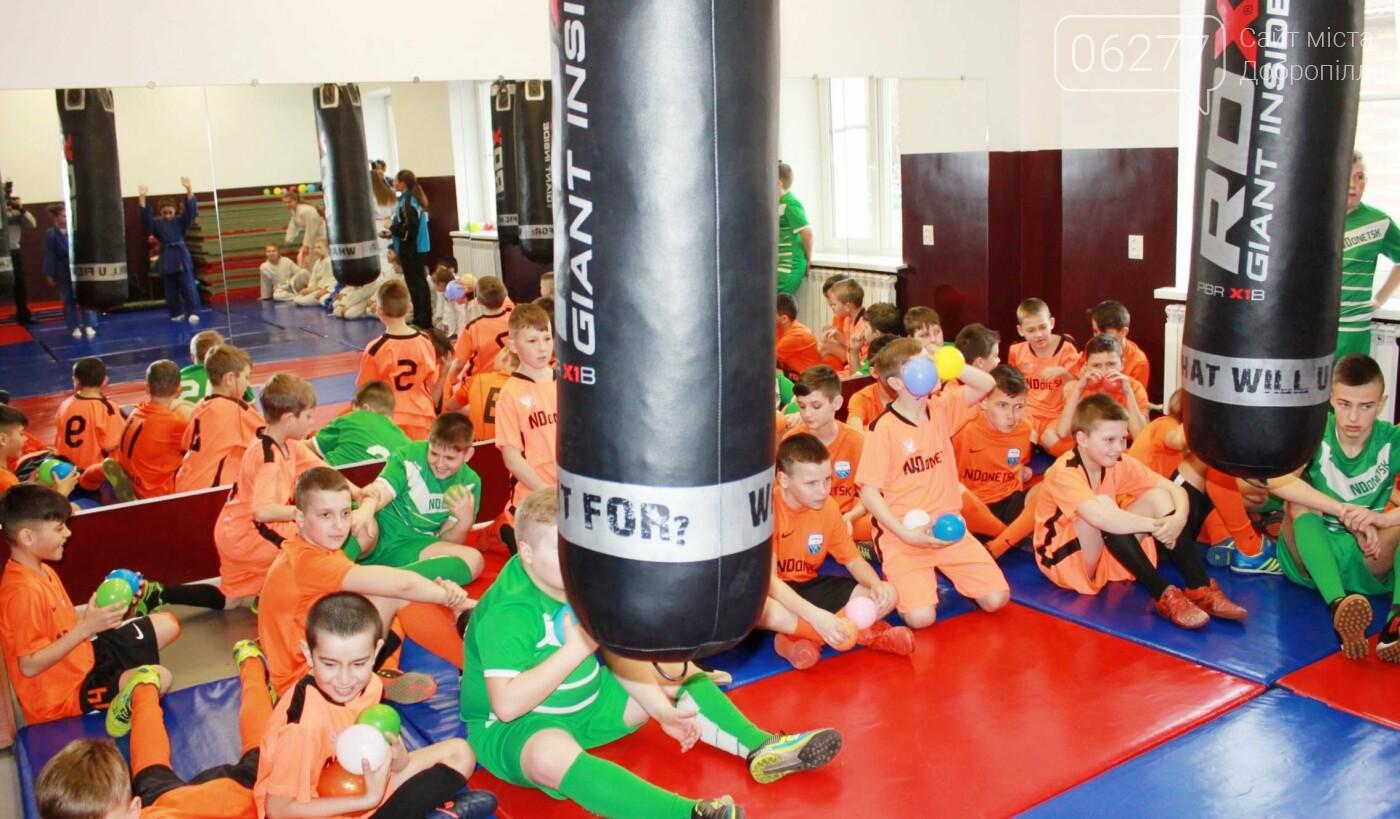 В Новодонецком заработал спорткомплекс с бассейном, фото-1