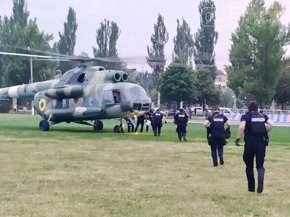 Окружком №50 продолжает подсчет: вертолетом в Покровск прибывают дополнительные силы правоохранителей, фото-1