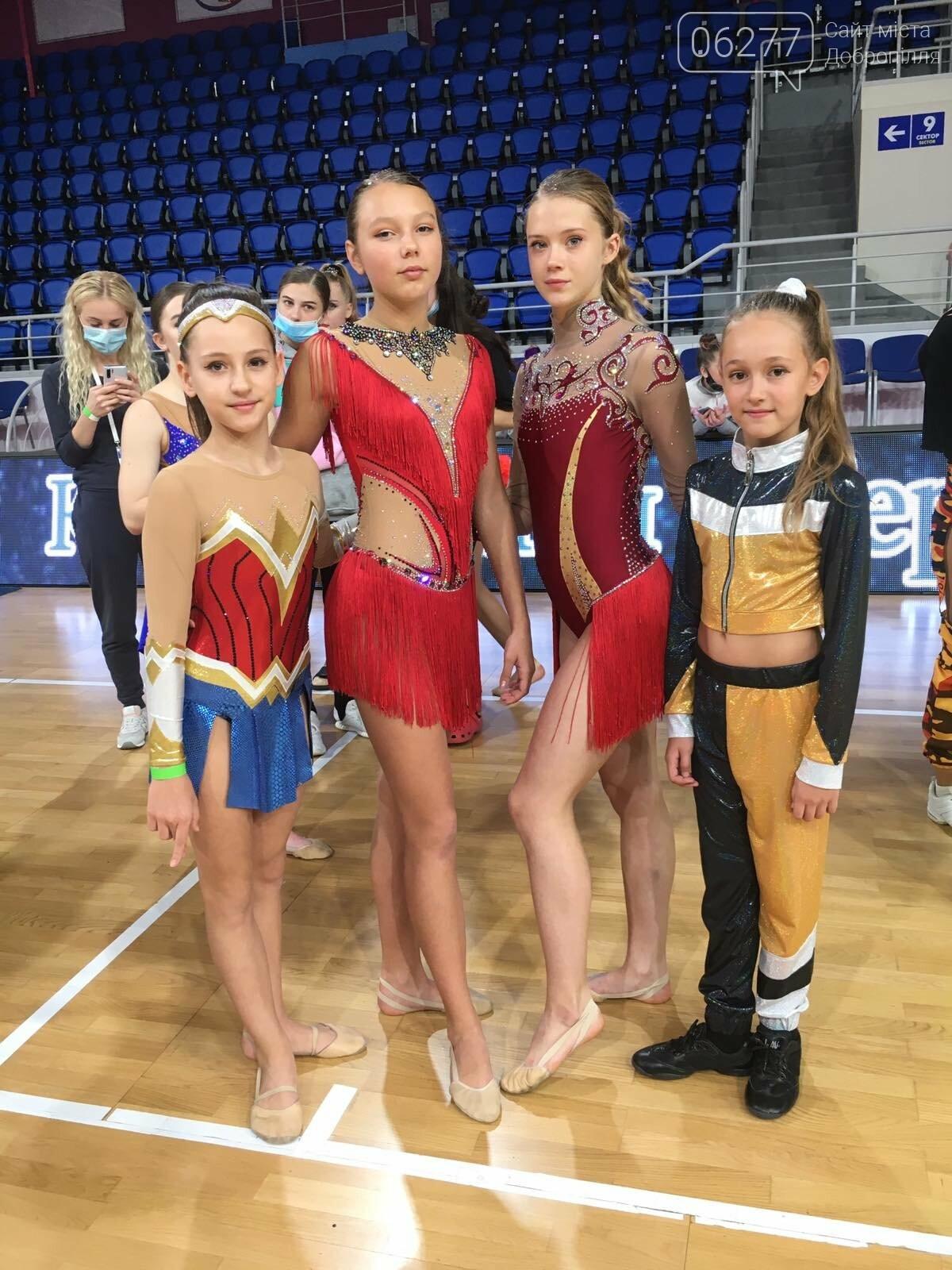 Добропільські черлідери здобули низку нагород  на Кубку Федерації в Запоріжжі , фото-1