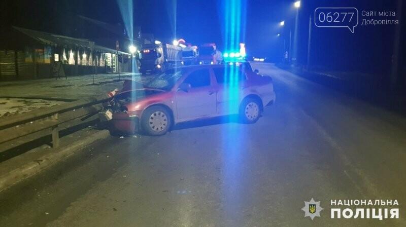 ДТП на автодорозі Добропілля-Лиман: постраждала 26-річна пасажирка, фото-1
