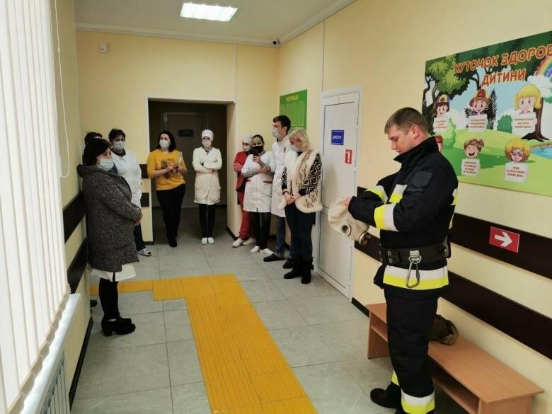Рятувальники Добропільщини провели навчання з лікарями